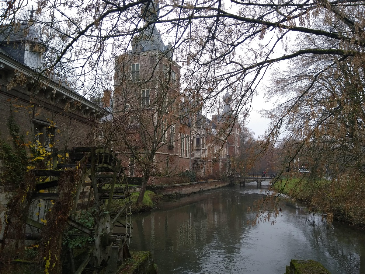 Heverlee Castle by the river, KU Leuven